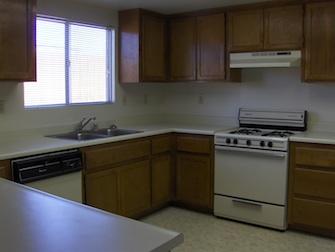 desert meadows apartments kitchen 2