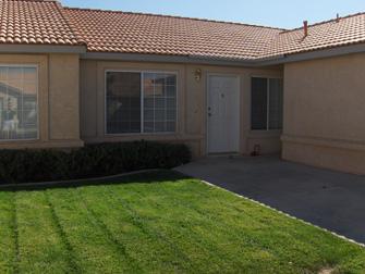 desert villas apartments grass