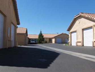 desert breeze apartments driveway