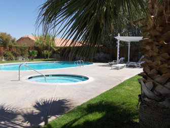 desert rose apartments pool 3