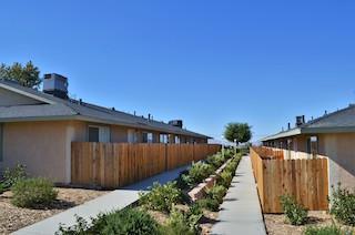 desert luna apartments exterior